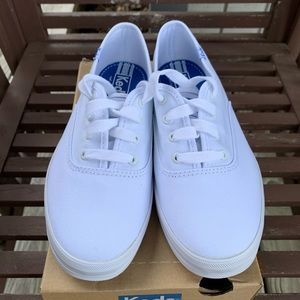 👱🏼‍♀️Keds Champion White Canvas. NIB. Size 6.5.